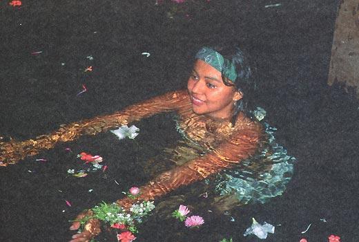 Омовение в озере Насияга - обязательный ритуал обряда очищения.